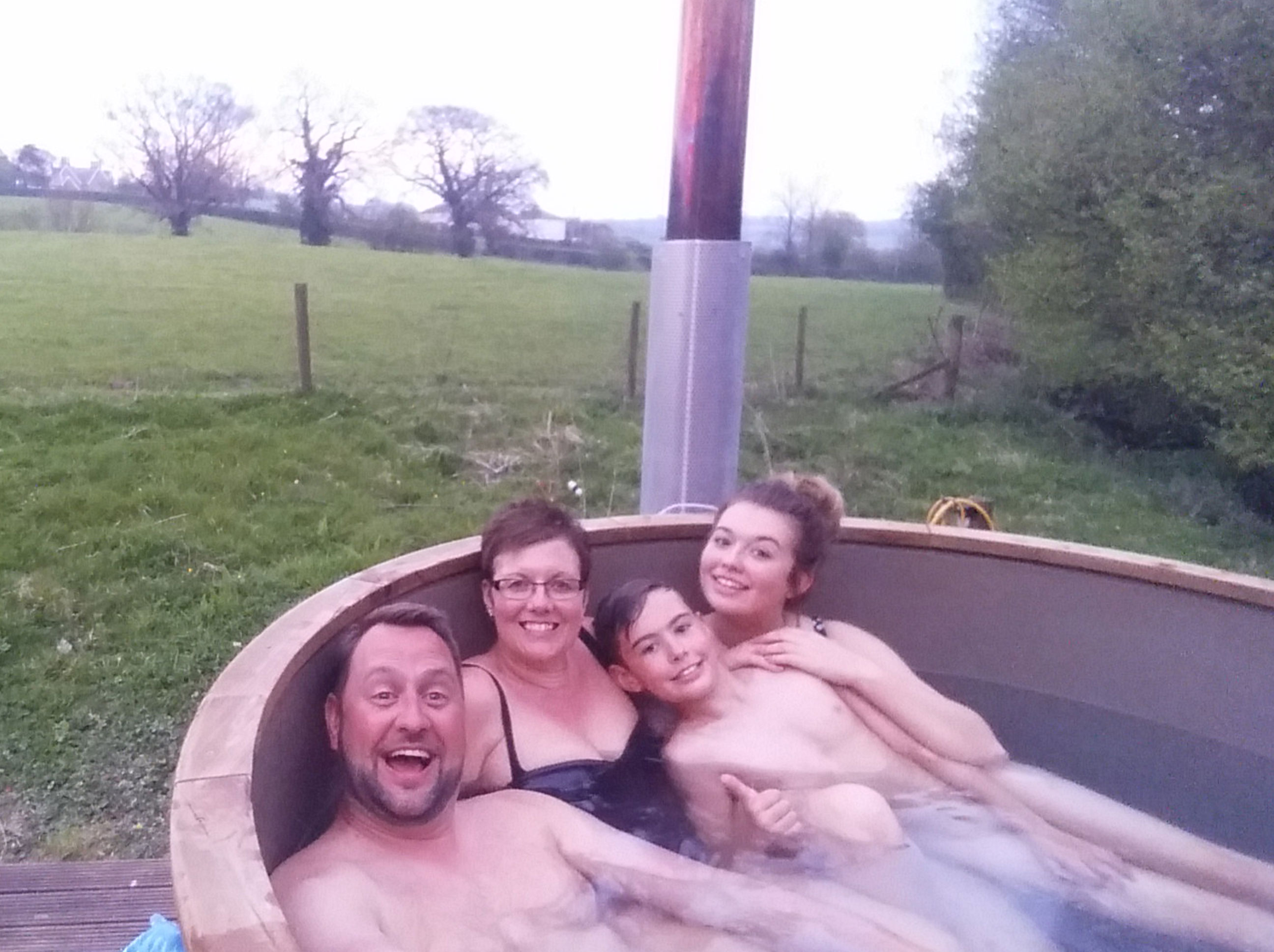 Glamping Safari Tent hot tub